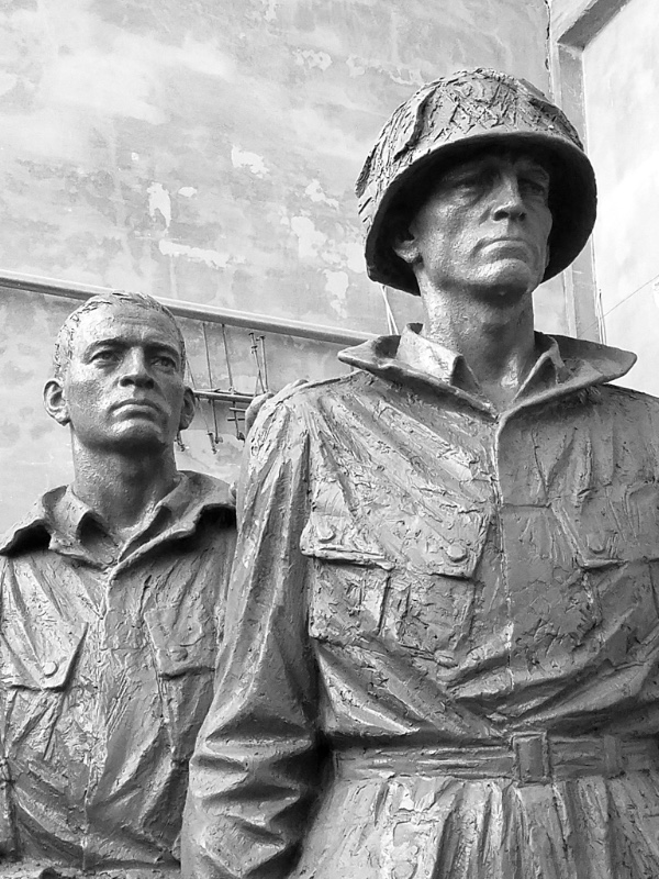 Sculptures of soldiers